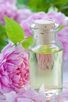 The Quick & Easy Rosewater Recipe Place 1 firmly packed cup of rose petals in a glass jar. Pour 2 cups of boiling distilled water over the petals. Cover and steep until the liquid is cool. Strain, squeeze out the liquid from the petals, and refrigerate the liquid in a sterilised jar.