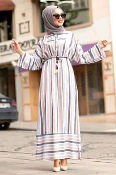 Discover hijab wear collection with Tesetturisland. Shop for muslim ladies dresses, suits and jumpsuits with the best prices. Modest Fashion Hijab, Modern Hijab Fashion, Abaya Fashion, Muslim Fashion, Hijab Evening Dress, Hijab Dress, Mode Turban, Mode Abaya, Hijab Fashionista
