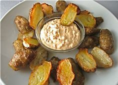 """Also called """"sunchokes,"""" jerusalem artichokes are small, yellow flowers with delicious roots and were often found in traditional Native American gardens. Love Food, A Food, Food And Drink, Jerusalem Artichoke Recipe, Artichoke Recipes, Cooking Recipes, Healthy Recipes, Vegetable Dishes, Vegetable Recipes"""