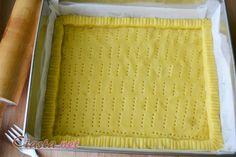 Najlepsze ciasto na mazurki z gotowanymi żółtkami. Przepis jest prosty, a wykonanie szybkie. Doskonała podstawa do przeróżnych mazurków: z kajmakiem, czekoladą, lukrem, czy z nutellą.