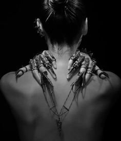 Gothic girl with jewelry by Kierfot