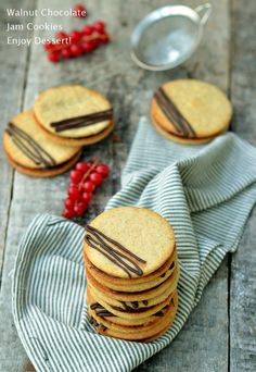Chocolate Raspberry Cookies Raspberry Cookies, Biscuit, Macarons, Ethnic Recipes, Desserts, Food, Meal, Macaroons, Biscuits