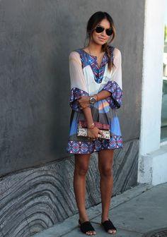 Fashion Blogger Julie Sarinana / Sincerely Jules --------------------- Dress: DVF Vail dress, Clutch: DVF envelope clutch