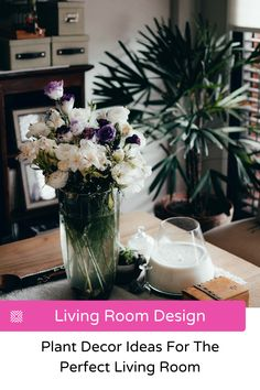 It's proven that greenery makes any living space more enjoyable. Let's show you some of the best houseplants and indoor garden ideas, along with some plant care tips. Tiny Living Rooms, Living Room Photos, Boho Living Room, Living Room Designs, Living Room Decor, Home Decor Trends, Home Decor Styles, Decor Ideas, Green Centerpieces