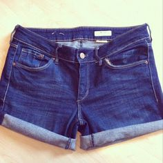 DIY Cut-Off Denim Shorts. Perfect for all those blue jeans with holes ripped in the knees.