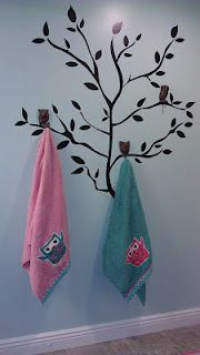 @sarahschaut you should do this on the back wall of the kids bathroom instead of the single towel bar. Each kid could have their own hook on the tree :)