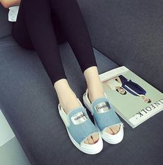 📢Delivery 2 Weeks📢  13832 fashion denim cloth fish mouth flat shoes  Dropship Rm46 Pos rm7sm/rm14ss  Saiz : 35-39 Upper Material: Canvas Sole Material:  Rubber Lining Material:Synthetic Heel Height: 2.5 CM
