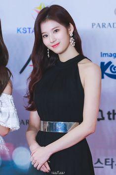 Sana-Twice 181128 - 2018 Asia Artist Awards Stage Outfits, Kpop Outfits, Nayeon, South Korean Girls, Korean Girl Groups, Sohee Wonder Girl, Asian Woman, Asian Girl, Asia Artist Awards