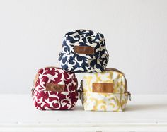 Makeup Bags – Cube case- Blue cotton floral and brown leather – a unique product by milloo on DaWanda