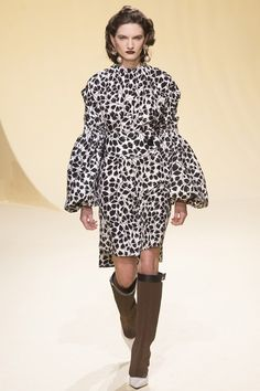 Catwalk photos and all the looks from Marni Autumn/Winter 2016-17 Ready-To-Wear Milan Fashion Week