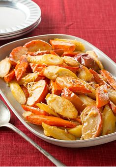 Oven-Roasted Root Vegetables & Apples – This savory vegetable and apple Healthy Living side dish is a guaranteed hit—but there is a secret to ensuring everything gets roasted perfectly.