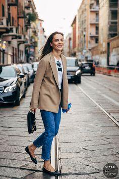 Milan SS 2020 Street Style: Karmen Pedaru - STYLE DU MONDE | Street Style Street Fashion Photos Karmen Pedaru Street Chic, Street Snap, Street Fashion, Karmen Pedaru, Stockholm, Milan, New York, Street Looks, Models Off Duty