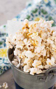 Spicy Nacho Popcorn is a gluten and dairy free snack that tastes like you are chowing down on Nacho Doritos but with a kick! And it doesn't turn your fingers orange! Spicy Popcorn, Popcorn Snacks, Flavored Popcorn, Popcorn Recipes, Trail Mix Recipes, Snack Mix Recipes, Snack Mixes, Nutritional Yeast Recipes, Popcorn Seasoning