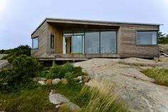 A beautiful cabin at Hvaler- in pact with nature Summer Cabins, Small Cottages, Cabin Homes, Little Houses, House In The Woods, Exterior Design, Future House, Building A House, House Design