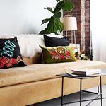 Home D I Y :: Gucci Style Velvet & Applique Pillows  #homedecor #home #diy #pillows