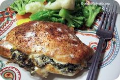 Heavenly Greek Chicken stuffed with spinach and feta cheese - We never get tired of it. PS - It's excellent cold the next day! Low Carb Chicken Recipes, Low Carb Recipes, Paleo Recipes, Dinner Recipes, Cooking Recipes, Atkins Recipes, Healthy Chicken, Turkey Recipes, Dinner Ideas