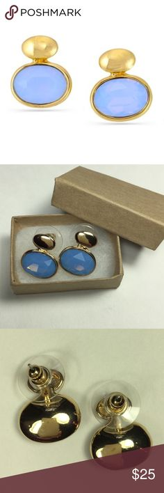 Gold-toned Metal & Blue Crystal Stud Earrings NWT Gold-toned Metal & Blue Crystal Stud Earrings // New In box // 15% off on bundles // I ship same-day from pet/smoke-free home. Buy with confidence. I am a top seller with over 700 5-star ratings and A LOT of love notes! 😊😎 trunk 29 Jewelry Earrings