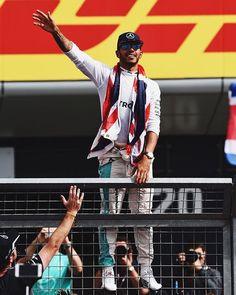 Race Winner Lewis Hamilton Celebrating at the 2016 Formula One Grand Prix F1 Lewis Hamilton, Mick Schumacher, Amg Petronas, Team Events, F1 Season, F1 Drivers, World Of Sports, Formula One, Film