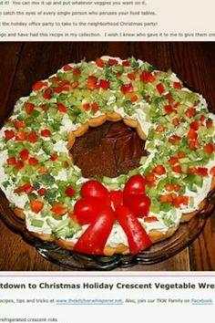 Christmas vegetable pizza wreath