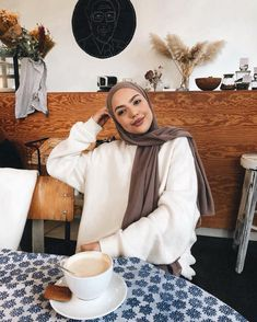 Image may contain: 1 person, sitting and indoor Hijab Casual, Hijab Chic, Hijab Outfit, Modern Hijab Fashion, Muslim Fashion, Travel Outfit Summer, Summer Outfits, Hijab Collection, Black Jeans Outfit