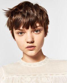 Models that look alike — Gemma Ward and Pasha Harulia Hair Day, New Hair, Your Hair, Pixie Haircut, Hairstyles Haircuts, Hair Inspo, Hair Inspiration, Short Hair Cuts, Short Hair Styles
