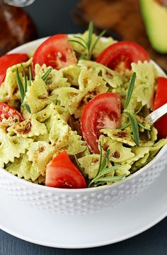 This quick vegetarian pasta is tossed in a creamy avocado sauce, then drizzled with balsamic dressing for an extra level of flavor! A healthy and satisfying summer dish!