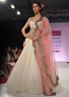 Lakme Fashion Week 2013 Collection by Anushree Reddy 09 love this designer