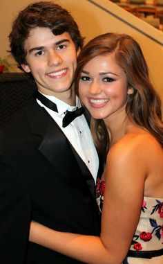 Duck Dynasty's Sadie & John Luke Robertson Charm in High School Homecoming Court: See the Pics! John Luke Robertson, Willie Robertson, Robertson Family, Sadie Robertson, Duck Dynasty Sadie, Duck Dynasty Cast, Jep And Jessica, Homecoming Floats, Duck Commander