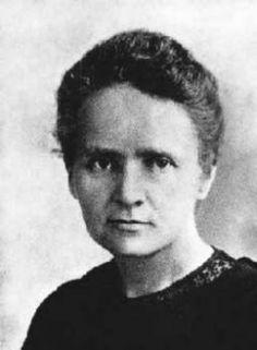 Convendría sentir menos curiosidad por las personas y más por las ideas. Marie Curie