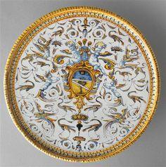 Plateau circulaire sur pied, armorié, 16e s., Pise (Italie)