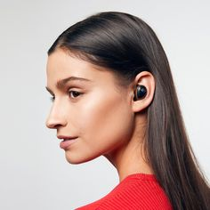 The are the True Wireless Earbuds that are designed to make your life easier! Learn more about the good Bluetooth connection now. Shop the best wireless earbuds from Raycon! High Tech Gadgets, New Gadgets, Gel Tips, Wireless Earbuds, Silicone Gel, Noise Cancelling, Man Gear, Dark Hair, Underwear
