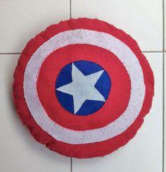 Cojín Escudo Capitán América fieltro https://www.facebook.com/complementosaliehs/