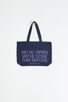 The ripstop fabric gives our new tote bag a bit of structure while being super light. Decorated with our signature slogan. Colour: navy Material: polyamide Fabric: Italian Handmade in Germany Slogan, Reusable Tote Bags, Navy, Fabric, Handmade, Accessories, Streetwear, Hale Navy, Tejido