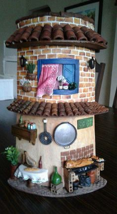 Tile Crafts, Fun Crafts, Diy And Crafts, Clay Fairy House, Fairy Garden Houses, Clay Houses, Ceramic Houses, Glass Bottle Crafts, Bottle Art