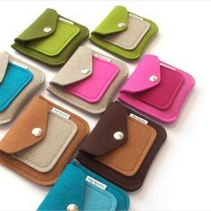 {capture the moment}: Introducing Coin Purse II Felt Diy, Handmade Felt, Cute Crafts, Felt Crafts, Felt Wallet, Felt Case, Felted Wool Crafts, Purse Tutorial, Pencil Bags
