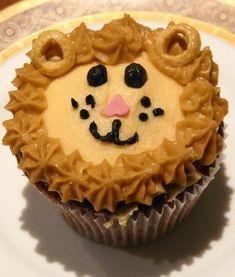 Google Image Result for http://cupcakeideasforyou.com/wp-content/uploads/1st-birthday-cupake-littlemisscupcakeparis-255x300.jpg