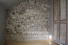 Réno murs à la chaux, silex et marne Isolation, Garages, Attic Spaces, Brick, Walls, Traditional Interior, Whitewash, Normandie, Garage