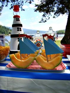 Cantaloupe sailboats are perfect for a pool party! Find the easy recipe for these and more. #summer #food
