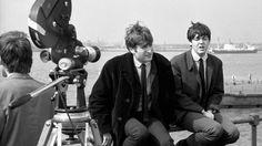 John Lennon e Paul McCartney.