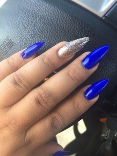 Royal blue nails, stiletto nails, fresh, urban outfitters, glitter nails, accent nail, tutu, Honda , nail vlog, trend