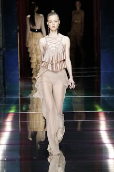 BALMAIN SPRING/SUMMER 2016 WOMENSWEAR SHOW  LOOK 36 — with Lindsey Wixson.