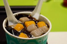 一碗 #芋圓冰,兩人分。#台灣 #Sweet #Ice with #colorful #dumplings for 2 #Summer #night #food #Taiwan