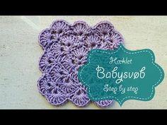 Dette smukke babysvøb er hæklet i Drops Flora, farve natur 01, som er lavet af 35% superfin alpaca og 65% Peruvian Highland uld. Det er et rigtig hyggeprojekt der tager tid at lave, og som kan nydes til f.eks en god lydbog. Jeg har lavet en lille videoguide, som helt udførligt viser hvordan mønsteret laves. Der er Baby Barn, Crochet Box, Baby Afghans, Drops Design, Chrochet, Try It Free, Handicraft, Diy Baby, Diy And Crafts