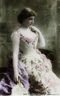 Lillie Langtry as Lena Despard in 'As in a Looking Glass' - National Portrait Gallery Vintage Photographs, Vintage Images, Vintage Pictures, Lilly Langtree, Lillie Langtry, Vintage Outfits, Vintage Fashion, Vintage Clothing, Victorian Fashion