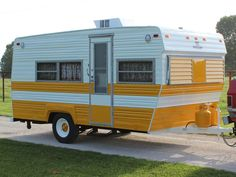 Inside This Restored 1973 Prowler Camper - Check out how this rotting 1973 Prowler camper got a complete restoration. -See Inside This Restored 1973 Prowler Camper - Check out how this rotting 1973 Prowler camper got a complete restoration. Old Campers, Small Campers, Vintage Campers Trailers, Retro Campers, Vintage Caravans, Vintage Motorhome, Vintage Airstream, Airstream Trailers, Small Camper Trailers