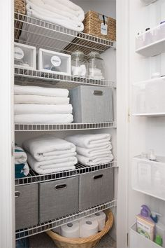 Linen Closet Organization Makeover Tips for Small Linen Closet Organization including what to purge, creative use of space, make laundry easier, and items in easy reach. Getting the linen closet organized has been on my to-do list forever, but Home Organization, Bathroom Storage Organization, Linen Closet, Small Linen Closets, Bathroom Organisation, Linen Cupboard, Bathrooms Remodel, Bathroom Decor, Apartment Organization