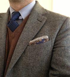Tweed jacket. Vest. Wool.