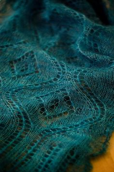 Gorgeous scarf- free pattern- looks great in every color!