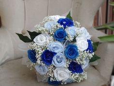 ramo novia en tonos azules y blanco, con paniculata baby breath wedding bouquet, blue colors