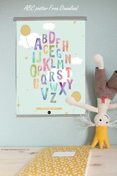 Love this --> Free Downloadable ABC poster   Ontwerp the Birds and the Bees via Kinderkamerstylist